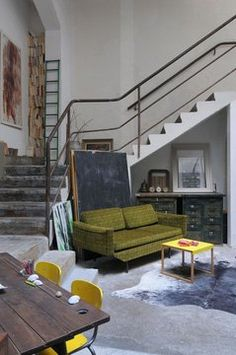 Industrial style furniture and - a mind full of triplex family - cotemaison. Industrial Style Furniture, Industrial House, Industrial Interiors, Industrial Chic, Loft Style, Interior Exterior, Home Decor Inspiration, Living Spaces, Living Room
