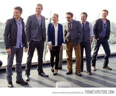 Jeremy Renner, Chris Hemsworth, Scarlett Johannson, Robert Downey Jr., Mark Ruffalo and Tom Hiddleston