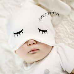 Slaap lekker kleine uk!