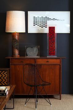 David John of @YHBHSblog work at LAMA Auction. I would not have guessed that midtone wood furniture could pop so nicely off the charcoal wall.