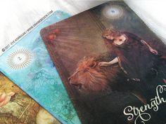 The Good Tarot de Colette Baron-Reid et Jena DellaGrottaglia  ⎮ ☛ TROUVER CE JEU sur AMAZON : http://amzn.to/2sHxuWs ⎮ ☛ EN SAVOIR SUR CE JEU + : http://www.grainededen.com/the-good-tarot-de-colette-baron-reid-et-jena-dellagrottaglia/ ⎮ Graine d'Eden Bibliothèque des oracles et tarots divinatoires #tarot #tarotcards #tarotdeck #oraclecard #oraclecards #oracledeck #tarots #grainededen #spirituality #spiritualité #guidance #divination #oraclecartes #tarotcartes