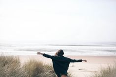 Image about girl in Good Vibes by Marusa on We Heart It The Beach, Beach Bum, Ocean Beach, Summer Beach, Photography Beach, Travel Photography, Photos Bff, Fotografia Macro, Foto Instagram