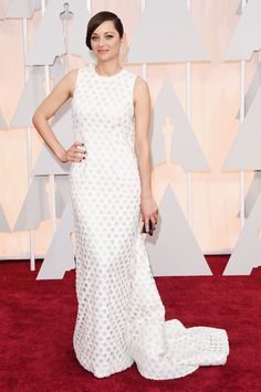 Marion Cotillard, in Dior Haute Couture The 2015 Academy Awards: Live From the Red Carpet - Gallery - Style.com She looks like Nicole Richie