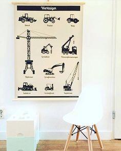 HAPPY • CUSTOMER Wat hangt de schoolplaat mooi op de kinderkamer bij @marleen_instijl Bedankt voor het delen! De schoolplaat werktuigen en alfabet vind je in de shop #linkinbio #schoolplaat #werktuigen #vintageposter