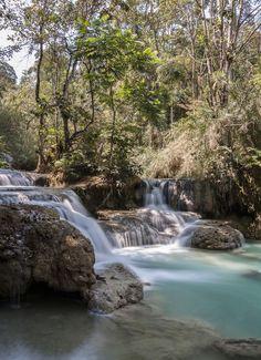 Les magnifiques cascades de Tat Si Kuang non loin de Luang Prabang au Laos. Cela reste un de mes coups de cœur en Asie avec la Birmanie. Au programme : baignade, temples, randonnées et découverte d'un pays authentique et attachant Je vous livre les immanquables dans le pays : Luang Prabang, plateau des boloven, balade sur le Mékong et bien d'autres #laos #asiedusudest Laos paysage - Laos nature - Laos voyage Pakse, Vientiane, Luang Prabang, Mountain Waterfall, Les Cascades, Aesthetic Pictures, Castle, Around The Worlds, Mountains