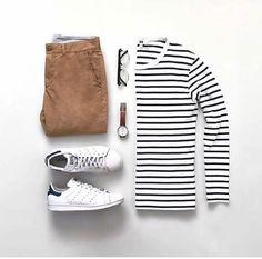 Build A Perfect Capsule Wardrobe. This Guide Will Help. Mens Fashion Blog, Fashion Mode, Fashion Outfits, Fashion Tips, Fashion Menswear, Street Fashion, Stylish Men, Men Casual, Herren Style