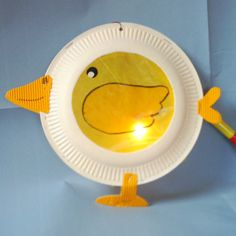 chick lantern with paper plates