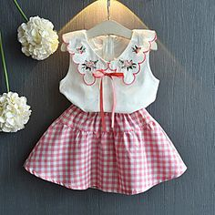 Pink Embroidery Sleeveless Blouse And Gingham Skirt Little Girl Fashion, Fashion Kids, Denim Fashion, Baby Girl Dresses, Baby Outfits, Kids Outfits, Cheap Girls Clothes, Baby Dress Patterns, Matching Outfits