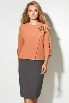 Office Outfits Women, Teen Fashion Outfits, Work Fashion, Fashion Dresses, Classic Work Outfits, Mature Women Fashion, Suits For Women, Clothes For Women, Classy Suits