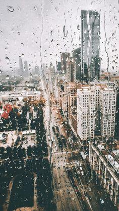 Magische Straßenfotografie von New York City von Paola Franqui . Beste Iphone Wallpaper, Watercolor Wallpaper Iphone, Iphone Wallpaper Fall, City Wallpaper, Locked Wallpaper, Aesthetic Iphone Wallpaper, Aesthetic Wallpapers, Wallpaper Backgrounds, Rainy Day Wallpaper