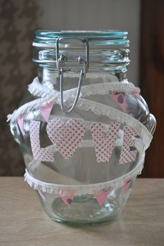 I Am Momma - Hear Me Roar: A Love Jar - Let the kiddos get a piece of candy out of the jar everytime they do something thoughtful. Triangles, Candy Buffet Jars, Love Jar, Meme Design, Pennant Banners, Extra Fabric, Diy Home Improvement, Fabric Scraps, Something To Do