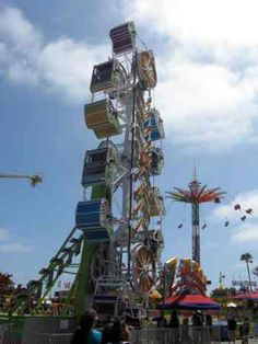 The Zipper! My mums absolute favorite Del Mar Fairgrounds, Fair Rides, Amusement Park Rides, San Diego Beach, Carnival Rides, County Fair, Body Positive, Summer Time, The Past