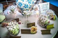 Italian candy bar. Flavored almond bonbons! Italian Candy, Wedding Events, Almond, Wedding Inspiration, Place Card Holders, Bar, Table Decorations, Summer, Summer Time