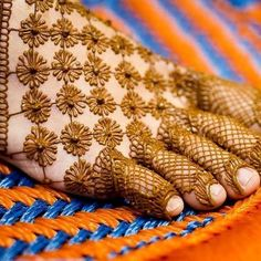 65 Fresh and Latest mehndi designs to try in 2020 Mehndi Designs Book, Indian Mehndi Designs, Legs Mehndi Design, Mehndi Designs 2018, Modern Mehndi Designs, Mehndi Designs For Girls, Mehndi Design Photos, Mehndi Designs For Hands, Beautiful Henna Designs