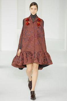b5f69ee18cb Delpozo Autumn Winter 2017 Ready to Wear. KleiderNew Yorker Mode ModenschauModetrendsMode LooksDamenmodeRedaktion ModeHerbst WinterFrühling
