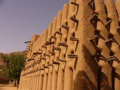 Africa | Mosque, Dogon country, Mali | © Terri-Lynn Kalhagen.