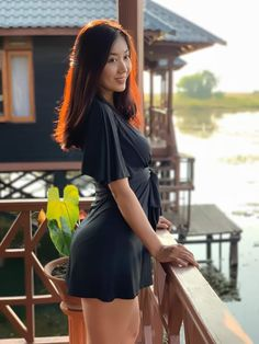 Lu Lu Aung in Black Fashion Outfit Myanmar Women, Beautiful Asian Girls, Pretty Girls, Asian Fashion, Asian Woman, Asian Beauty, Curvy, Mini Skirts, Fashion Outfits