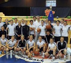 Deutsche Fußball-Frauen trainieren - Fußball - Die deutsche Frauen-Fußballnationalmannschaft hat  das Training für die WM 2011 aufgenommen.