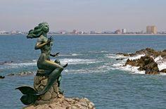 Las esculturas que protegen las costas de #Mazatlan son ya un emblema de uno de los destinos turísticos predilectos de la costa del Pacífico mexicano. http://www.bestday.com.mx/Mazatlan/ReservaHoteles/