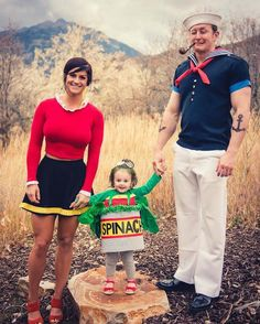 Ideas & Accessories for your DIY Popeye & Olive Halloween Family Costume Idea Popeye Halloween Costume, Diy Halloween, Costumes Halloween Disney, Premier Halloween, Halloween Mignon, Couples Halloween, Cute Halloween Costumes, First Halloween, Baby Costumes