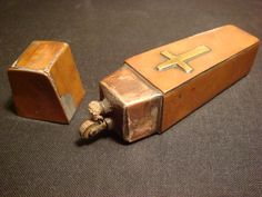 A cigarette lighter made in the form of a coffin (photograph by Ronaldojof/Wikimedia)