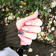 #fall #nails #nude #geometrical