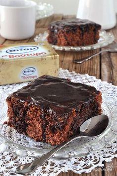 Σοκολατένιο κέικ βραστό ή κατσαρόλας ή μελαχροινή / Boiled chocolate cake Sweets Recipes, Fun Desserts, Cake Recipes, Cooking Recipes, Cake Cookies, Cupcake Cakes, Chocolate Fridge Cake, Greek Cake, Sweet Breakfast