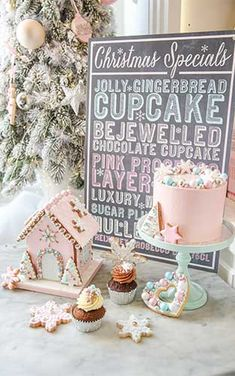 Peggy Porschen Cakes has a selection of Birthday cakes and cupcakes. Peggy Porschen Cakes, Gingerbread Cupcakes, Time Games, Game Themes, Chocolate Cupcakes, Tis The Season, Dessert Table, Winter Wonderland, Mousse
