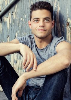 can we please talk about rami malek being absolutely perfect i mean look at this gorgeous man