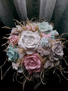 Kokulu taş buketi Soap Packing, Soap Display, Soap Shop, Rose Soap, Yarn Wall Hanging, Flower Ball, Clay Ornaments, Soap Recipes, Home Made Soap