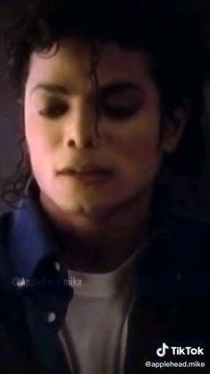 Michael Jackson Tattoo, Michael Jackson Photoshoot, Michael Jackson Dance, Michael Jackson Neverland, Photos Of Michael Jackson, Michael Jackson Wallpaper, Michael Jackson Bad Era, Desenho Tom E Jerry, Janet Jackson