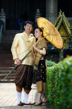 Bride and groom in Lao traditional clothes