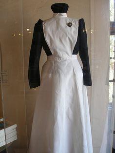What the Harvey Girls had to wear. Staff Uniforms, Girls Uniforms, Aprons Vintage, Vintage Dresses, Harvey Girls, Maid Uniform, Girls Dresses, Dresses For Work, Women's Fashion Dresses