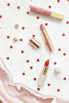 Lipsticks Flatlay Makeup - Lipsticks flatlay _ lipsticks co. - Lipsticks Flatlay Makeup – Lipsticks flatlay _ lipsticks colors, lipsticks a - Lipstick For Fair Skin, Lipstick Art, Lipstick Shades, Liquid Lipstick, Sheer Lipstick, Feeds Instagram, Looks Instagram, Eyeshadow Makeup, Makeup Cosmetics
