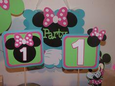 Minnie Mouse Bowtique Square Centerpiece, via Etsy.