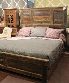 Merveilleux The Subtle Colors In The Reclaimed Wood Gives This Bed Tons Of Personality.  #bedroom