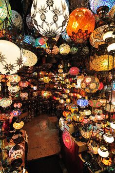 Turkish lanterns at the Grand Bazaar in Istanbul, Turkey. Gorgeous!
