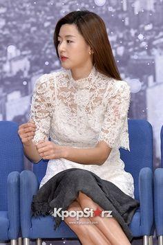 """ジヒョン""""女神のような韓流スター""""を地で熱演『星から来たあなた』制作発表会【写真27枚】"""
