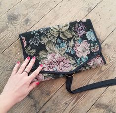 Women's new and vintage sustainable Boho clothing and accessories Boho Outfits, Vintage Outfits, Boho Kimono, Wash Bags, Vintage Floral, Bag Making, Vintage Ladies, Tapestry, Boho Clothing