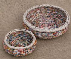 Weaving baskets with newspaper: