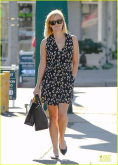 Reese Witherspoon wearing The Row Small Day Luxe Leather Tote Ray-Ban 2132 New Wayfarer sunglasses Valentino Rockstud Leather Ballet Flats