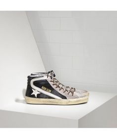 buy popular 26725 e3e1e Golden Goose Slide Sneakers In Leather With Leather Star Womens - Golden  Goose Outlet www.getggdb.com