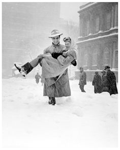 """thats-the-way-it-was:  December 26, 1947:Heavy snow blankets the Northeast U.S., buries NYC under 25+"""" of snow in 16 hrs. Photo:Art Whittaker/NY Daily News"""