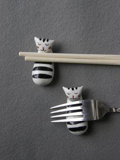 Weiteres - Set von 4 Katzen Stäbchen Halter, Katzen-Familie - ein Designerstück von TatjanaCeramics bei DaWanda