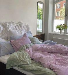 Room Ideas Bedroom, Bedroom Inspo, Home Bedroom, Bedroom Decor, Bedrooms, Dream Rooms, Dream Bedroom, Deco Studio, Pastel Room