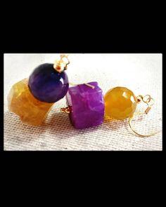 Orecchini particolari, orecchini con pietre, orecchini con pietra indiana, orecchini giada, orecchini pendenti, orecchini gialli, viola di LesJoliesDePanPan su Etsy