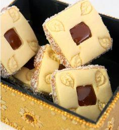 Gateaux secs algeriens caramel beurre sale     Ingrédients  - 80 gr de beurre ramolli  - 90 gr de poudre de flan vanille pour entremets  -...