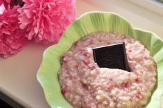 Chocolate-Raspberry Truffle Oatmeal - Chocolate Covered Katie - would need to leave off chocolate for an E :( Chocolate Oatmeal, Chocolate Fudge, Chocolate Covered, Raspberry Chocolate, Oatmeal Recipes, Snack Recipes, Vegan Recipes, Snacks, Healthy Treats