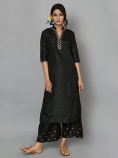 Silk Kurti Designs, Salwar Designs, Kurta Designs Women, Kurti Designs Party Wear, Indian Inspired Fashion, Indian Fashion Dresses, Indian Designer Outfits, Designer Dresses, Beautiful Dress Designs