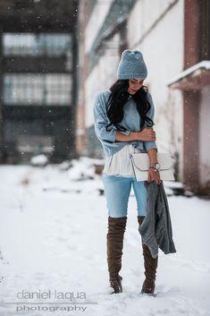 Outfit mit Cropped Pullover von Repeat Cashmere, Bluse von Zara und Overknees von Reno | lightblue | hellblau | https://juliesdresscode.de | #ootd #fashion #fashionblogger #fashionblogger_de #outfit